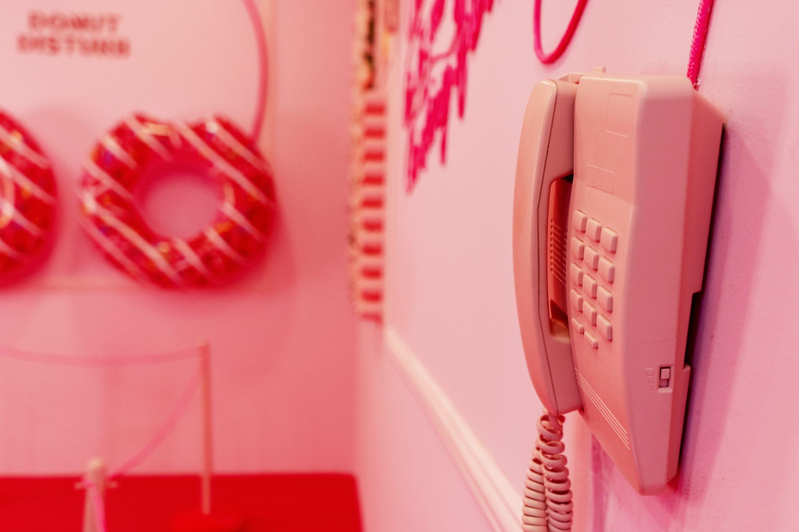 detalhe de um telefone no snap art spot no Alameda